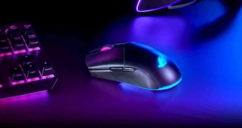 左右対称、有線/無線両対応、カスタマイズ可能な高性能ゲーミングマウス ASUS「ROG Pugio II」発表