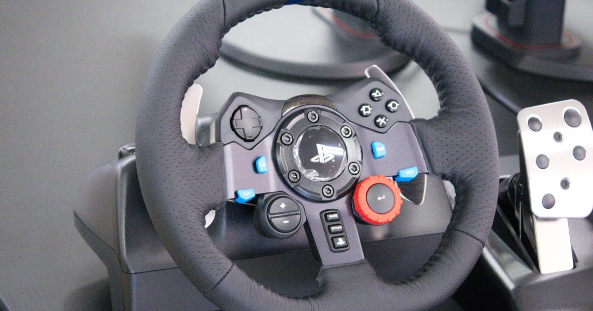 スポーツカー好きの心にぶっ刺さる!「Logicool G29 Driving Forceステアリングホイール&ペダル」をレビュー!