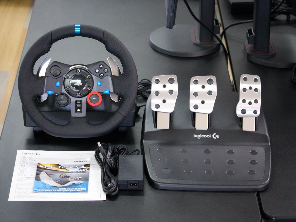 「Logicool G29 Driving Forceステアリングホイール&ペダル」の同梱物
