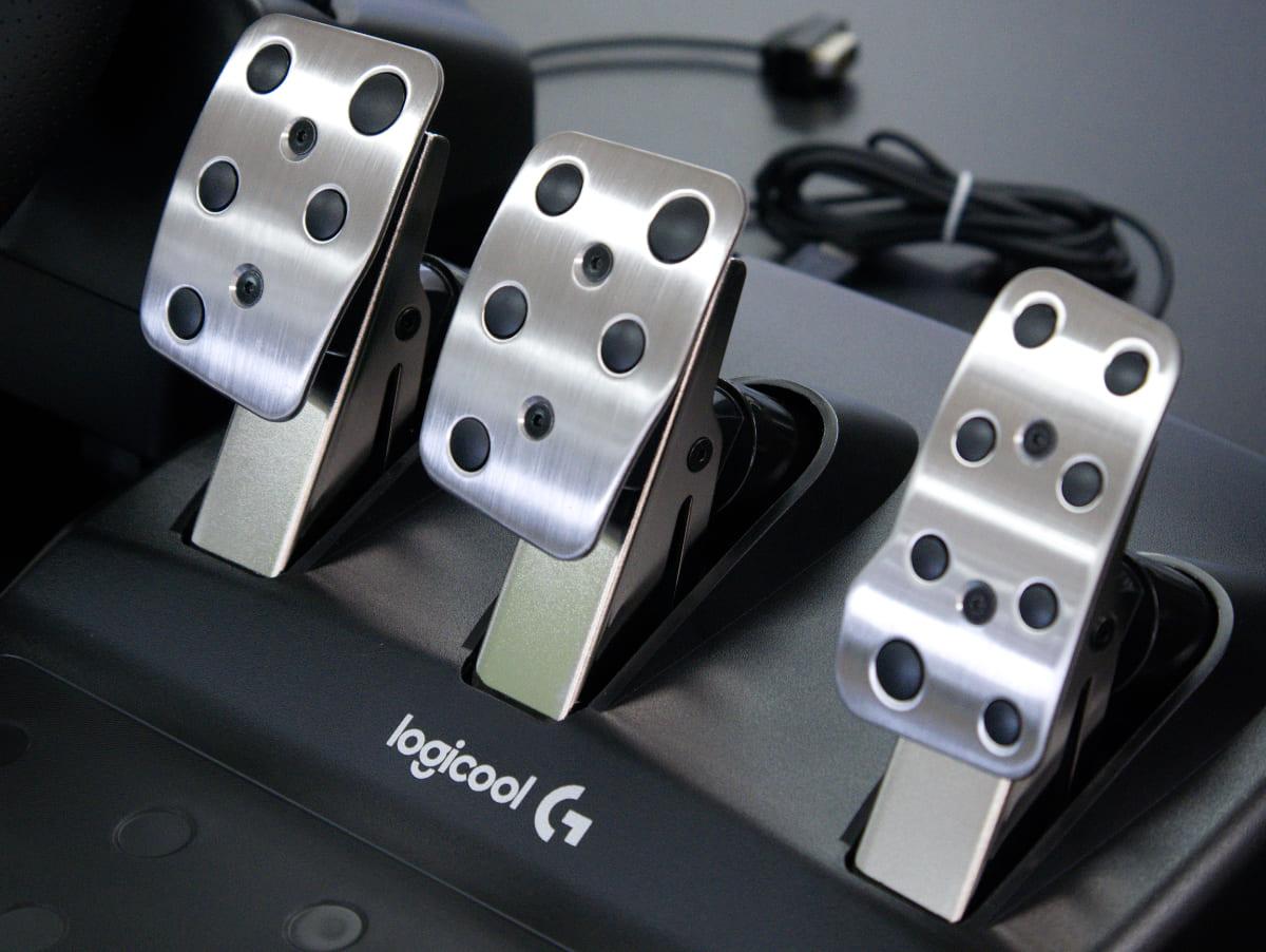 「Logicool G29 Driving Forceステアリングホイール&ペダル」のペダル