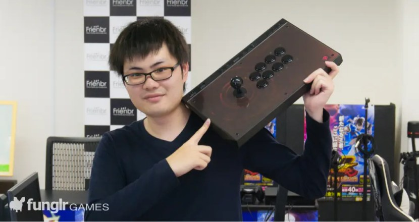 MADCATZ新作品街機控制器「EGO Arcade Stick」由funglr Games裡的街頭霸王5玩家進行評測!