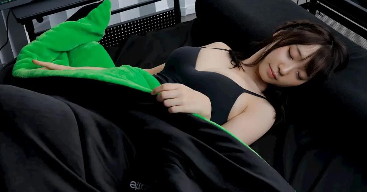 中綿1kg!腕も出せる吸湿発熱×蓄熱のゲーミング毛布 Bauhutte「わたタンク BHB-1600」登場!