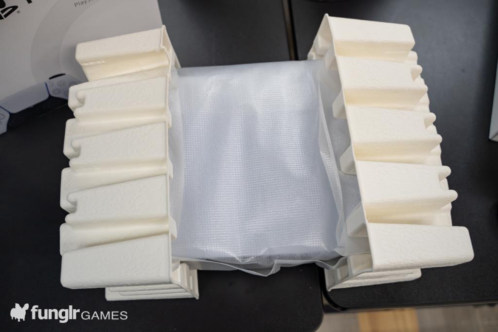 次世代ゲーム機「PS5」を開封