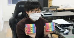 7つの輝き!虹色に光り輝くゲーミングチロルチョコ「ビッグチロル〈レインボーBOX〉」発売!