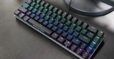 【實測】搭載可自訂多功能觸控板,精巧尺寸華碩電競鍵盤「ROG Falchion」!