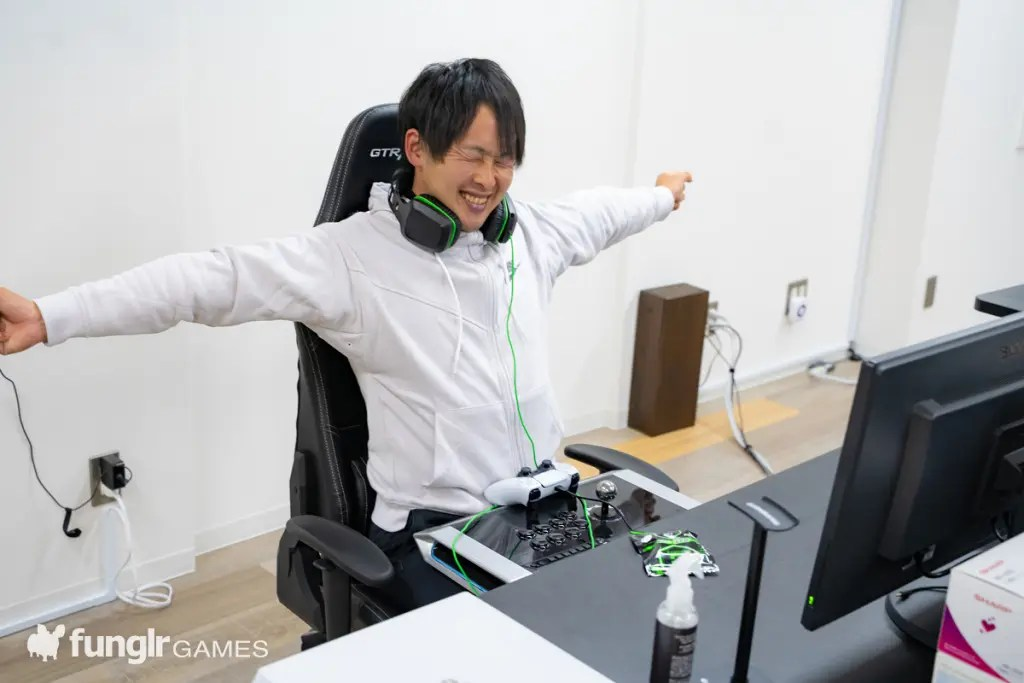 eスポーツ対策 BREAK OUT  タブレット