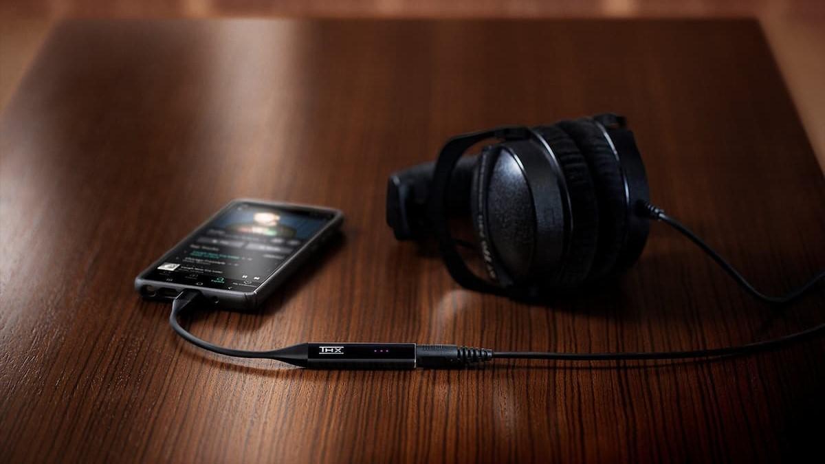 插上USB就能輕鬆提升音質!Razer推出便攜式 DAC 耳機擴大器「THX Onyx」!
