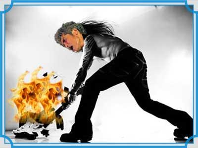 吉川晃司 ギター 燃やす