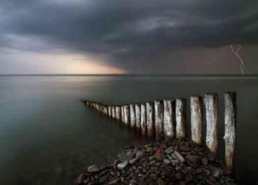Снимка на нощното море