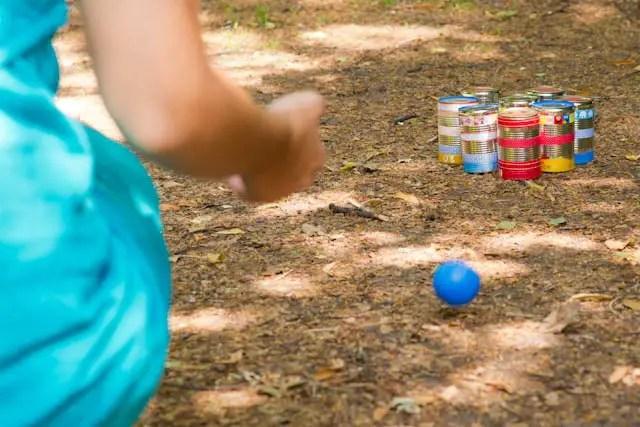 Spiele für die Sommerparty selber machen - Kegeln