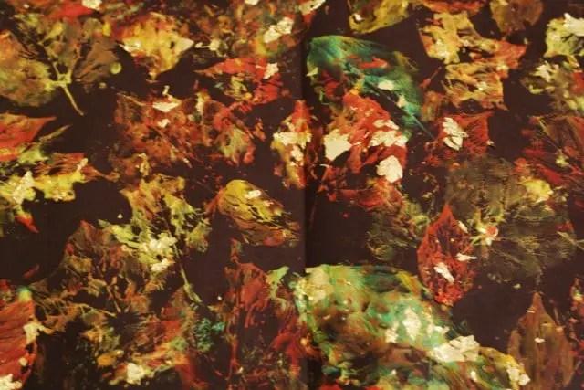 Stempeln mit Blättern und Blattgold
