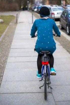 Fahrradpullover mit aufgebügeltem Reflektorband