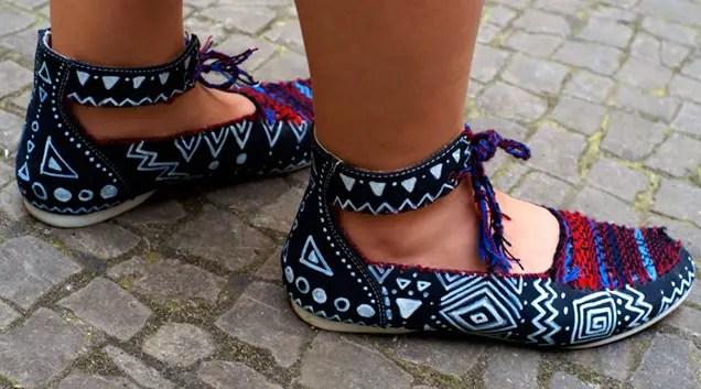 Selbst gemachte Sandaletten im Ethno-Stil