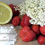 Selbst gekochte Erdbeer-Holunderblüten-Marmelade