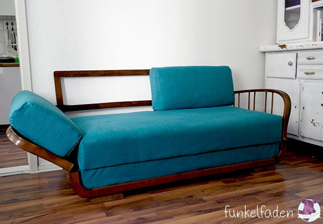 diy aus einem alten sofa wird ein traumsofa anleitungen do it yourself daybed diy sofa. Black Bedroom Furniture Sets. Home Design Ideas