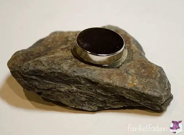 DIY Anleitung - Magnet mit Stein bekleben