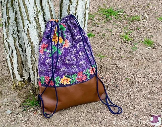 Genäht - Turnbeutel mit floralen Mustern und Kunstleder