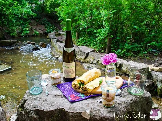 Picknick auf dem Kreuzberg beim Wasserfall mit Vinho Verde