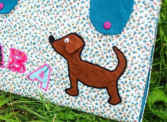 Hund und Namen aus Stoff applizieren
