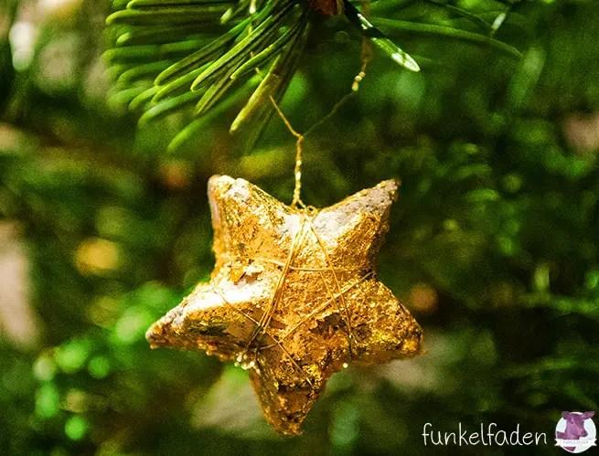 Stern aus Beton und Blattgold