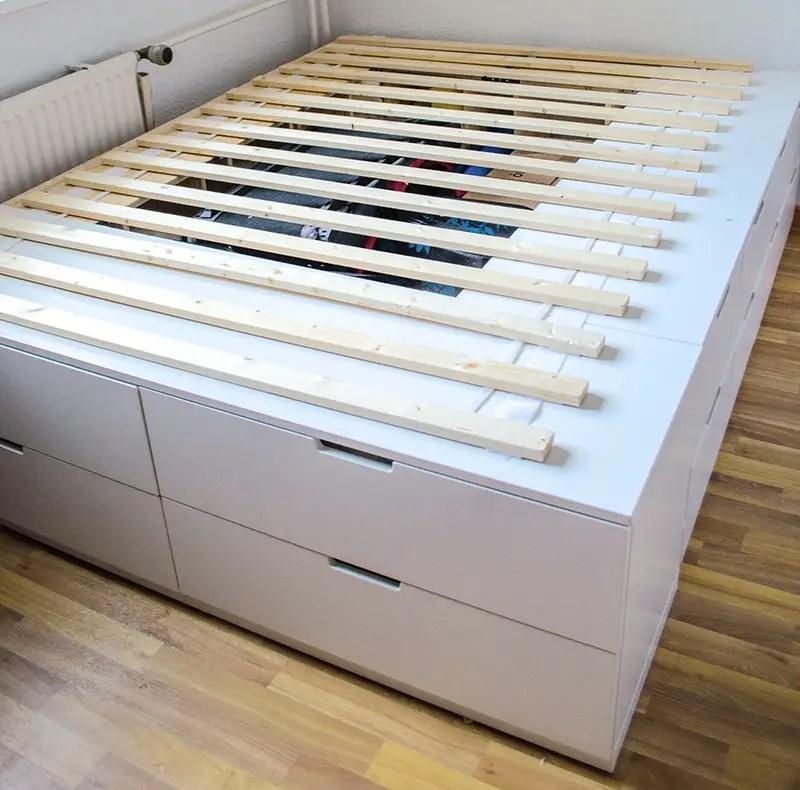 diy ikea hack plattform bett selber bauen aus ikea kommoden werbung anleitungen do it. Black Bedroom Furniture Sets. Home Design Ideas
