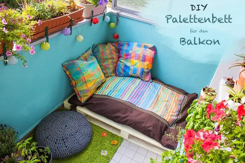 DIY Ideen aus Paletten - Polster auf dem Balkon
