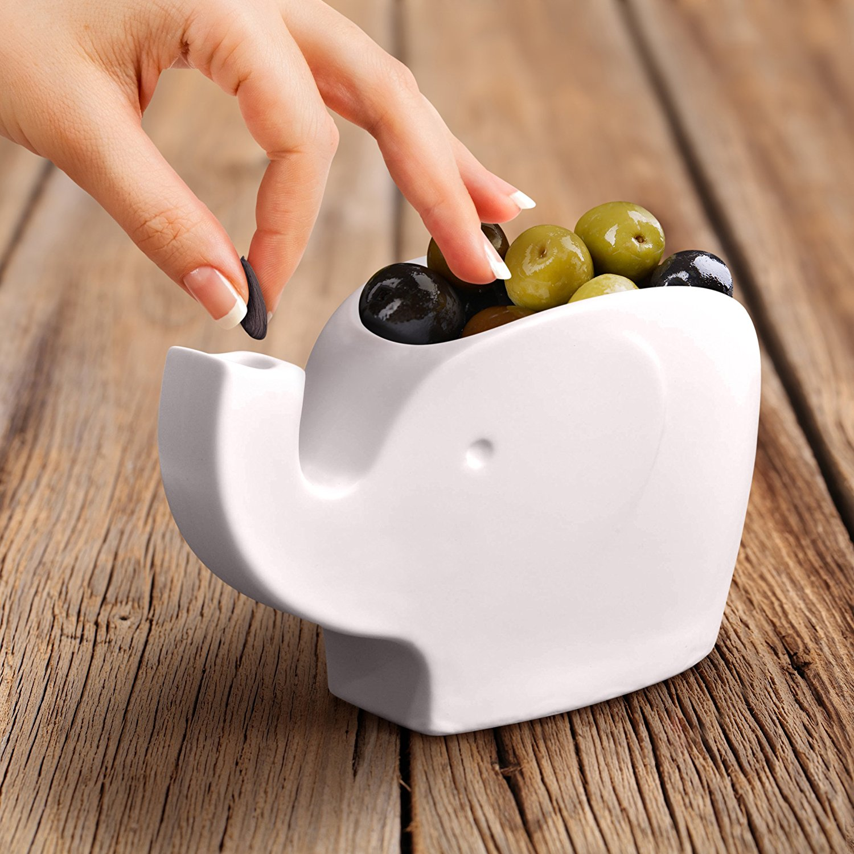 oliver-ceramic-elephant-tidbit-bowl