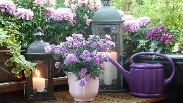 What does purple mean in home decor