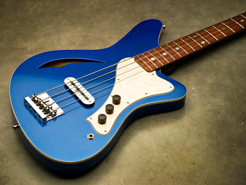 Sirena Modelo Uno bass in Electric Blue