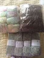 Bottom yarn is Wool Tweed Grey http://funkyairbear.yarnshopping.com/en/wool-tweed-grey-dark-grey#inc579