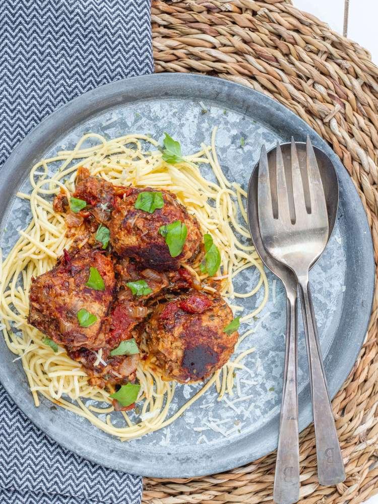 Ricotta gehaktballen in verse tomatensaus