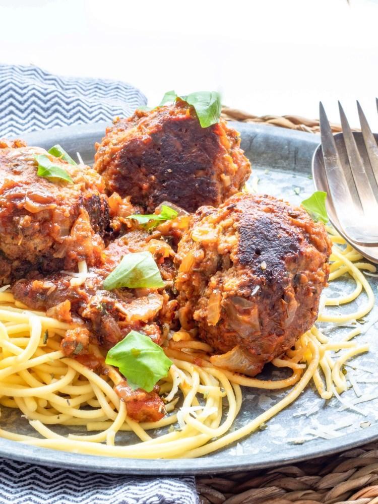Spaghetti met ricotta gehaktballen in tomatensaus