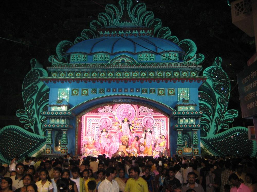 Pandal Hopping - Kolkata,2008 - Part 1  (6/6)