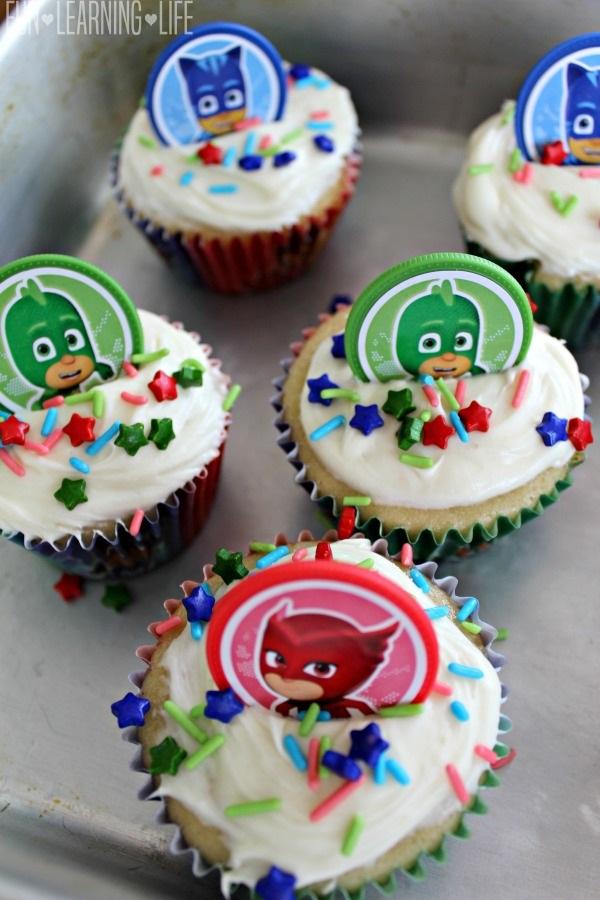 Zootopia Cupcake Cake