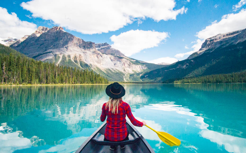 10 Unreal Lakes in Banff Canada