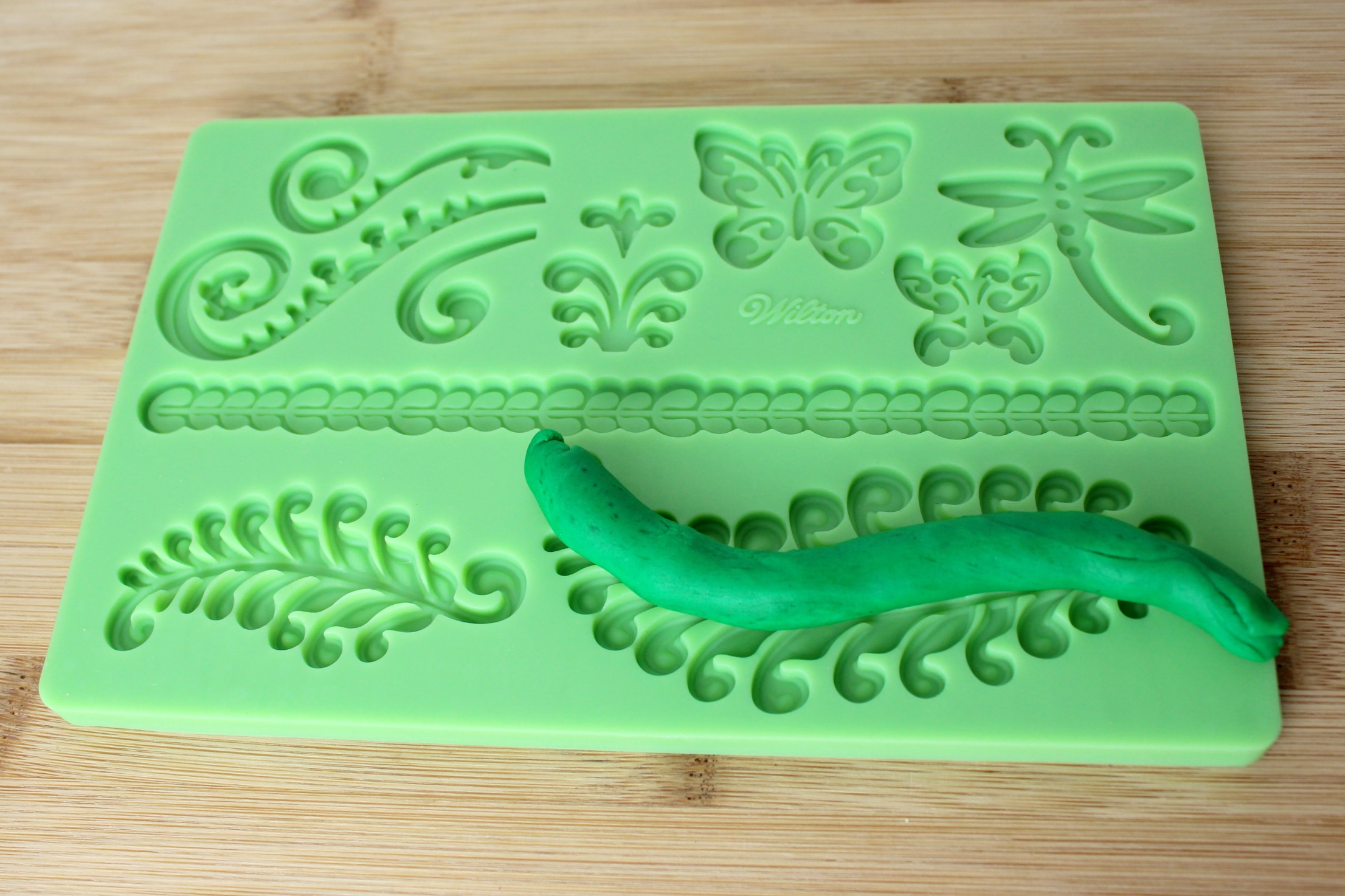 Rapunzel-cake-fondant-steps