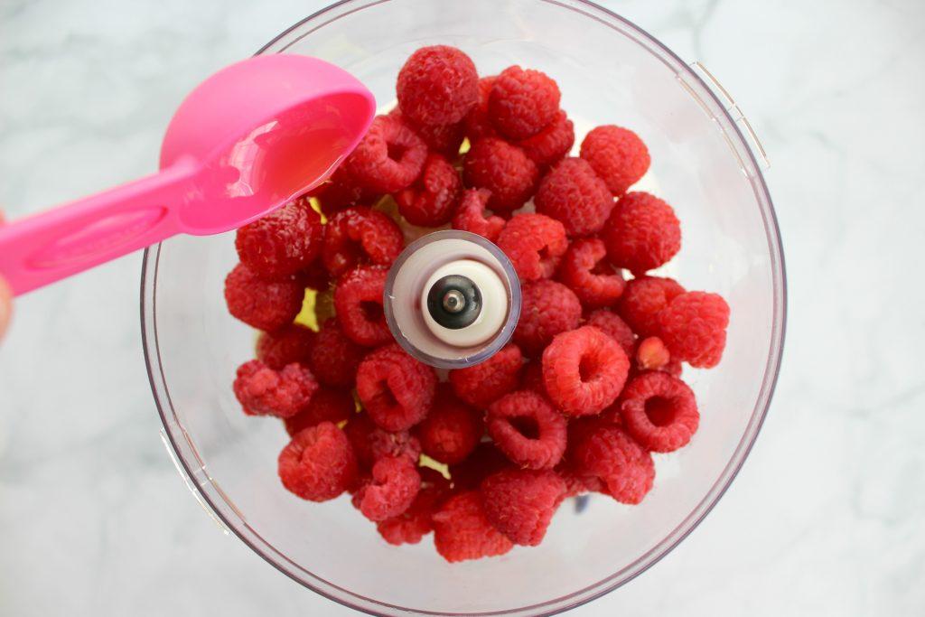 Summer-Berry-Salad-Raspberry-Vinaigrette-4