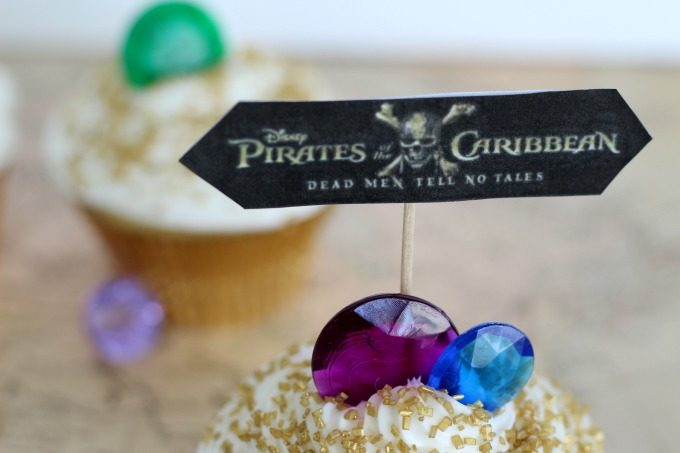 Pirates Of The Caribbean cupcakes aren't complete without a flag