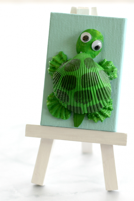 The kids are going to love making this adorable turtle seashell