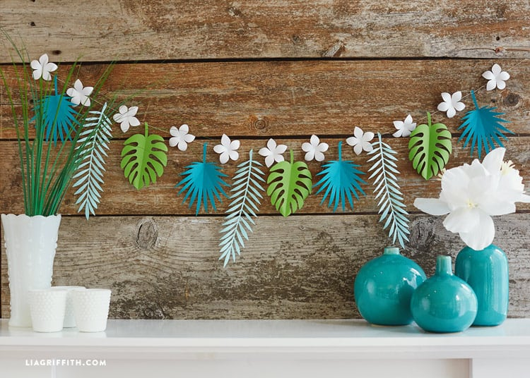 Tropical garland Moana Party decor