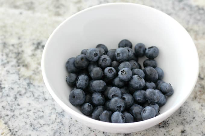 Fresh blueberries for a blueberry syrup recipe