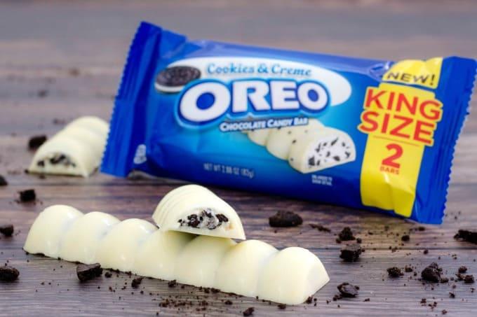 OREO Cookies & Crème Chocolate Bar