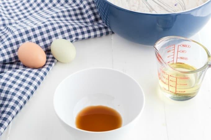 Combine eggs, oil & vanilla