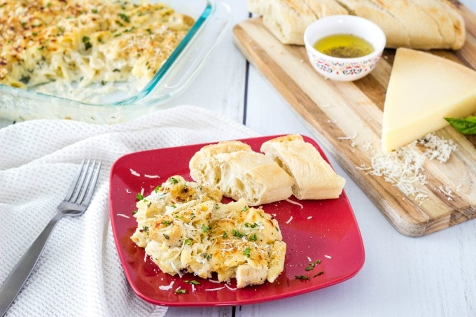 Baked chicken alfredo with bread