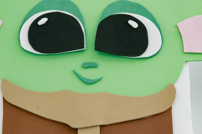 Face for Baby Yoda Valentine Box