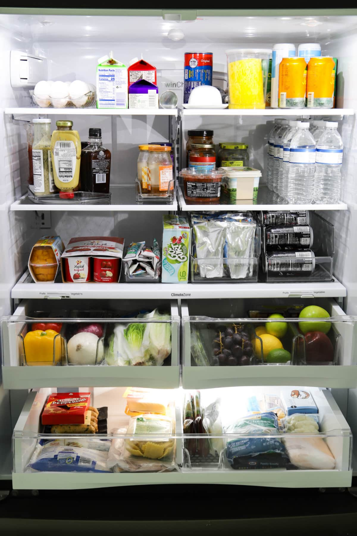 Refrigerator organized with HEXA products