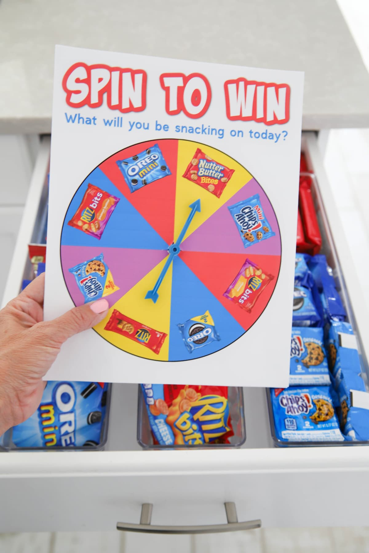 Spinner game to snack prizes
