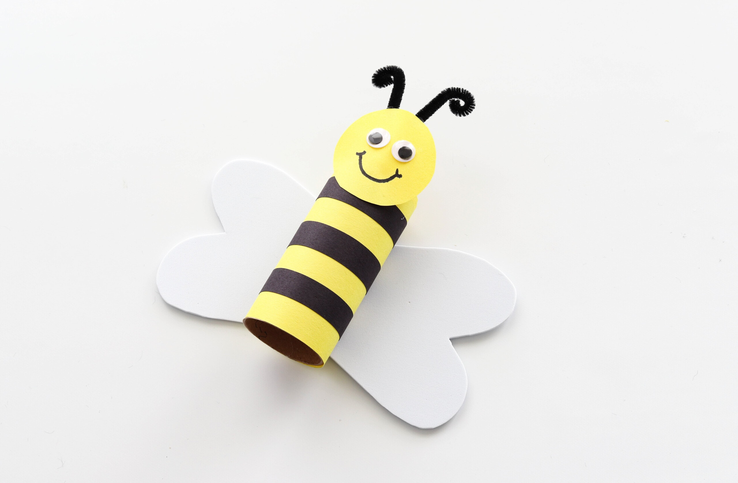 Toilet paper roll bumblebee craft with wings