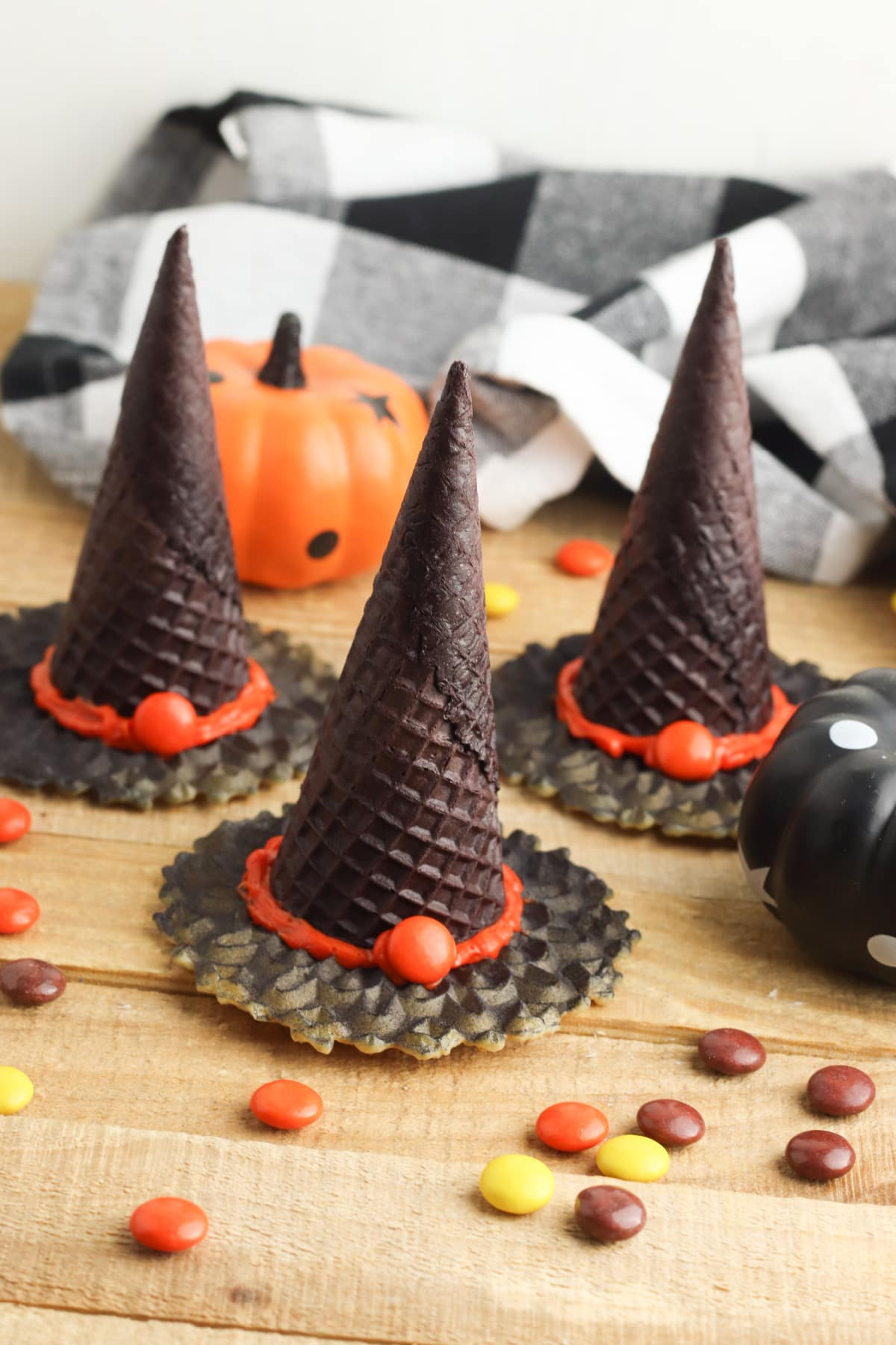 Witch Hat Cookies with Ice Cream Cones
