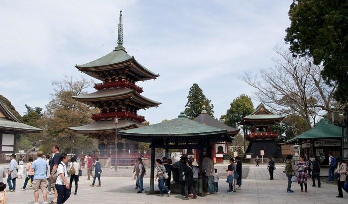 Naritasan Shinshoji Temple near Tokyo International Airport ( Haneda Airport )